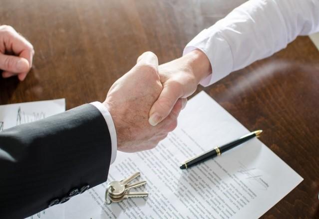 برای خرید زمین در سرعین قولنامه بین فروشنده و خریدار تنظیم می شود