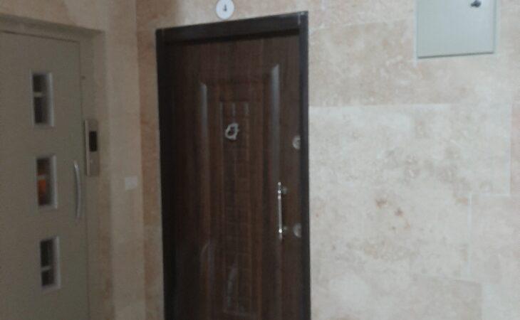 آپارتمان لوکس 105متری در میدان قارتال سرعین